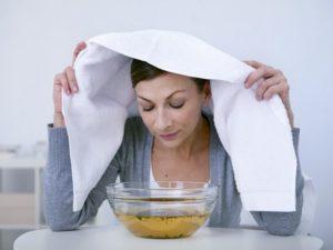 jak szybko pozbyć się kataru, może inhalacje nad naparem pod ręcznikiem