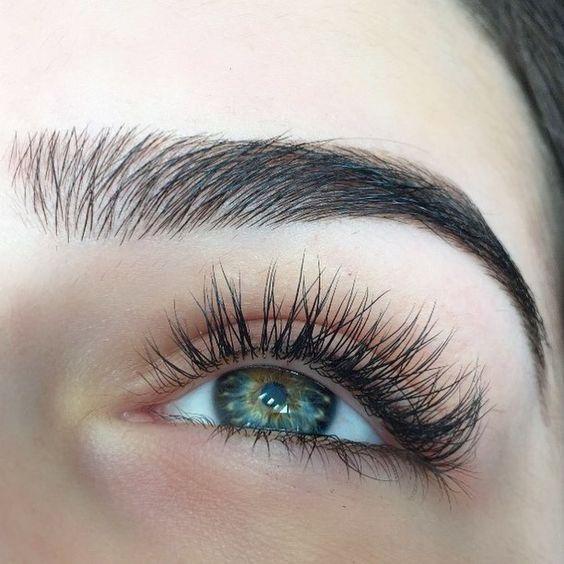 modny makijaź oczu